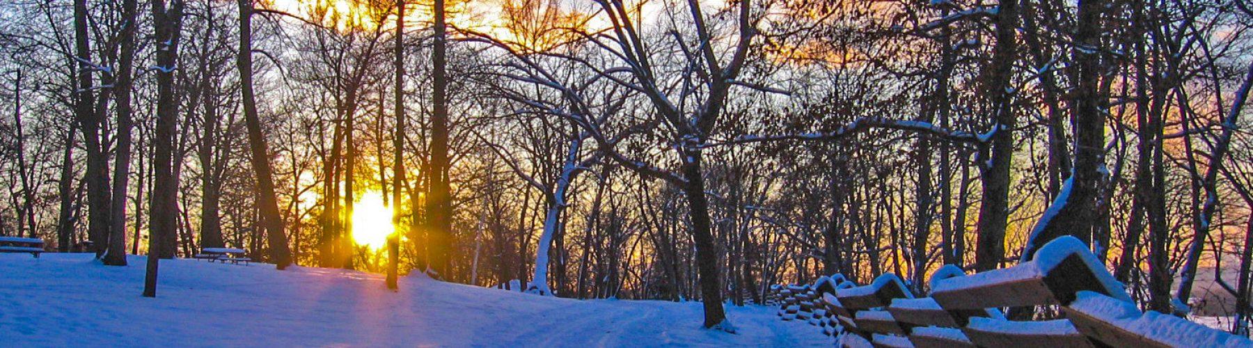 Spring-Lake-Park-winter-trails